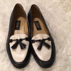 Selby Classic Blue and White Flat  Tassel Shoes
